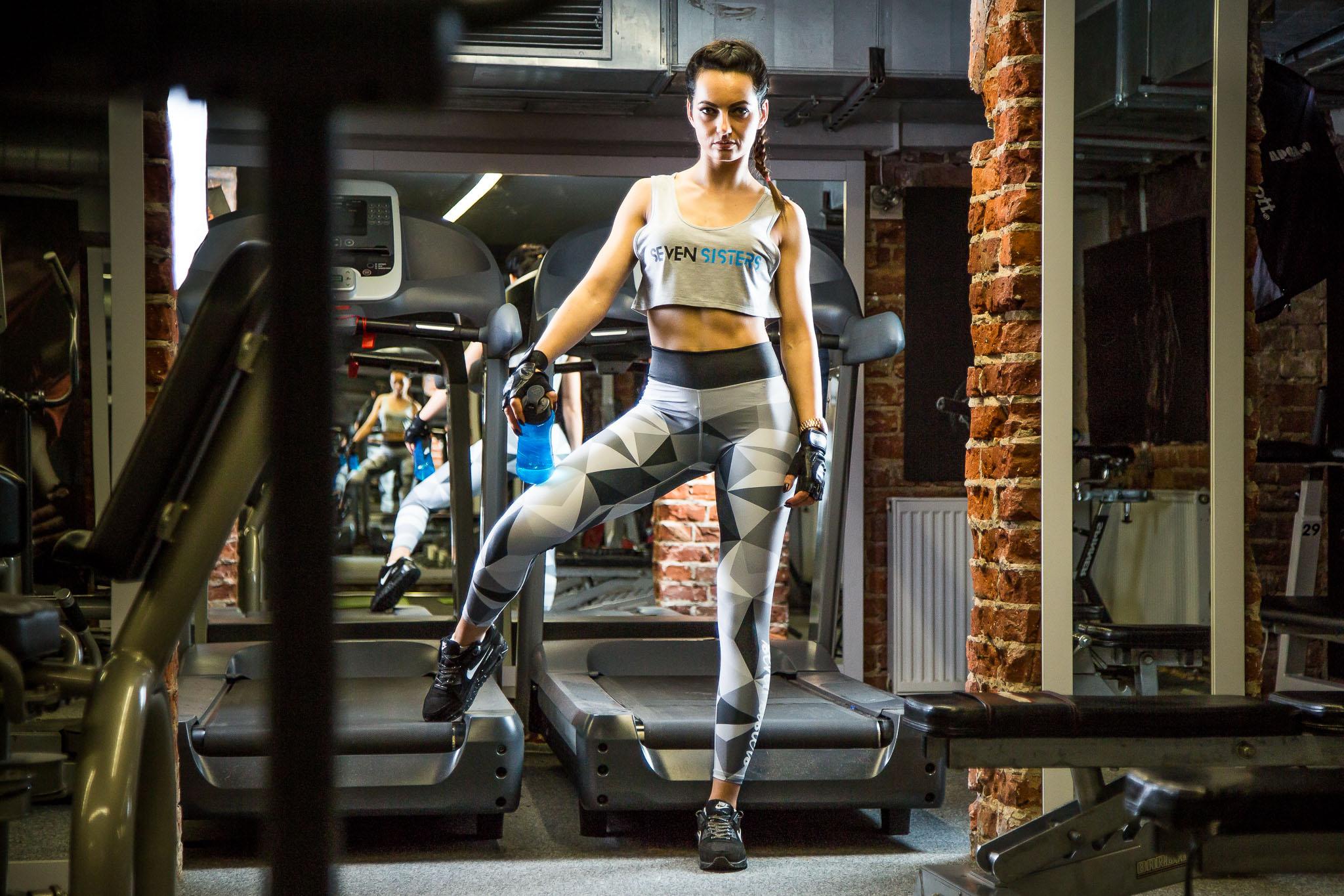 Seven sisters sport wear - zdjęcia reklamowe Kołobrzeg - Marek Lubacz